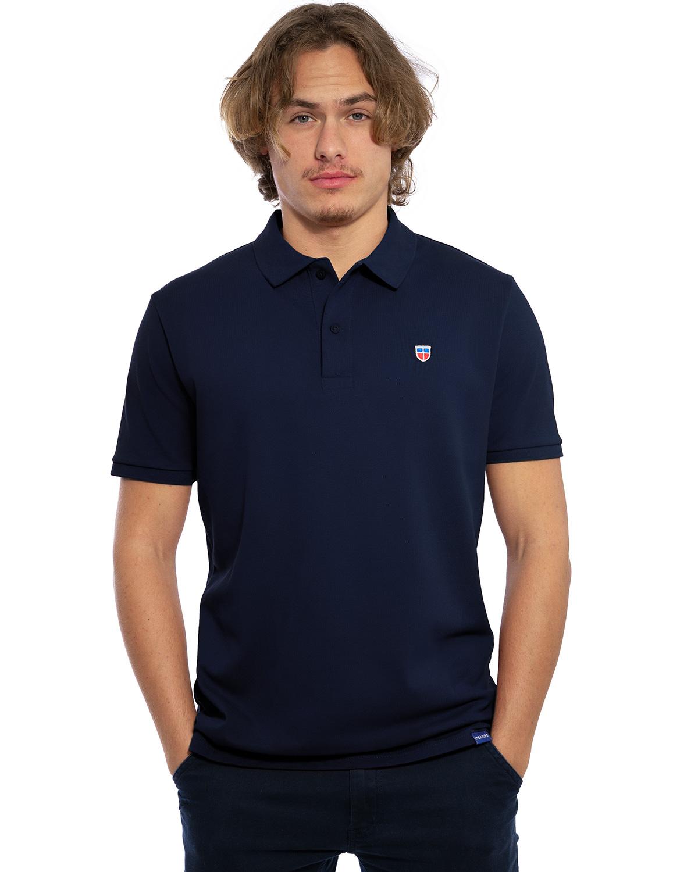 """Hochwertig besticktes Herren Polo Shirt """"FELIX"""" in der Farbe Bordeaux von der Saarland Marke Lasarre mit dem LASARRE Wappen in Blau, Weiß, Rot auf der linken Brust und dem blauen LASARRE Markenzeichen am Saum"""